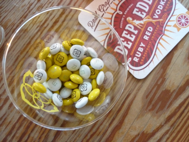 How much cuter could M&M's be? Check out the Kendra Scott design on them!